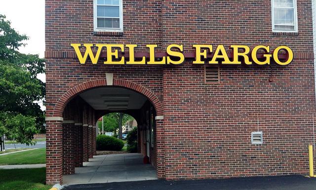 Wells Fargo PR crisis management response